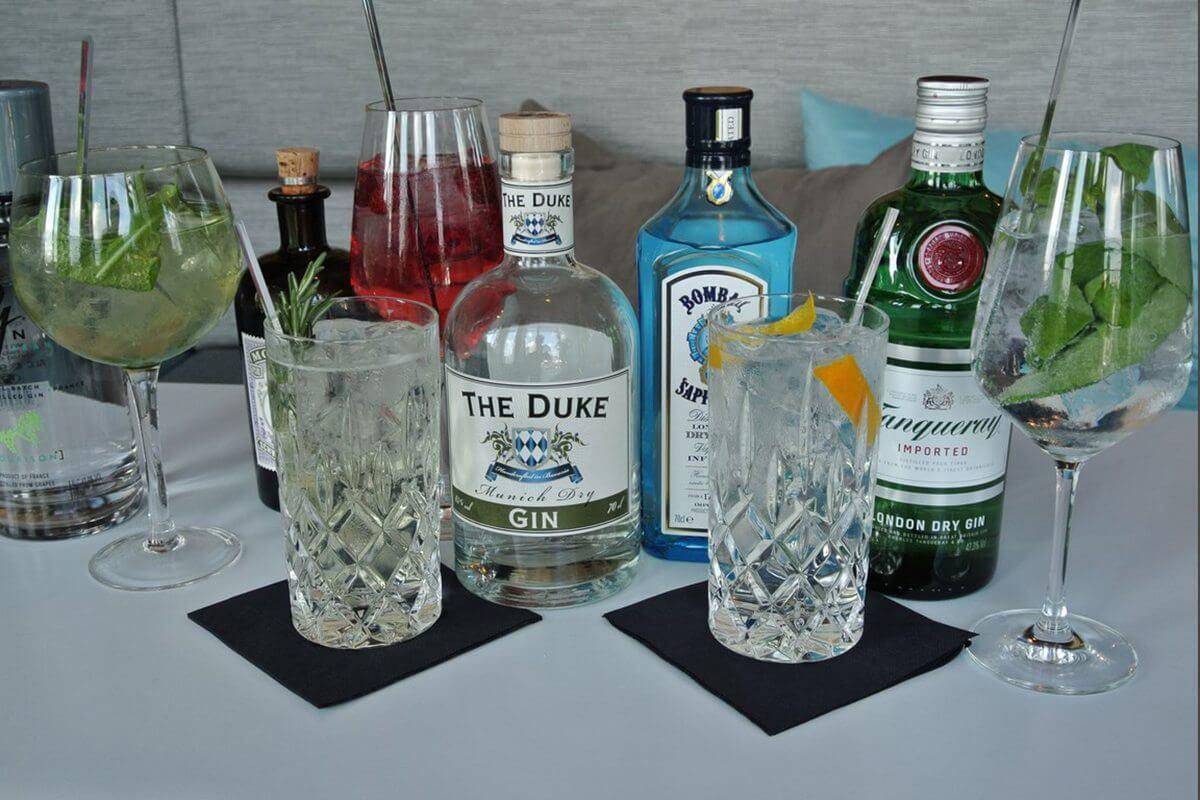 gin tonic miomatto variationen drinks tastings berlin deutschland europa. Black Bedroom Furniture Sets. Home Design Ideas